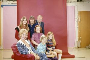 """The Partridge Family""Shirley Jones, Susan Dey, David Cassidy, Danny Bonaduce, Dave Madden, Brian Forster, Suzanne Croughcirca 1970s** H.L. - Image 5418_0062"