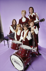 """The Partridge Family"" Suzanne Crough, Brian Forster, Danny Bonaducce, Shirley Jones, Susan Dey, David Cassidy circa 1972© 1978 Mario Casilli - Image 5418_0100"