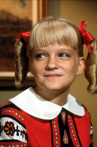 """Brady Bunch, The""Susan Olsen1969 ABCPhoto by Bud GrayMPTV - Image 5421_0005"