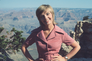 """""""Brady Bunch,The""""Florence HendersonCirca 1971 **H. - Image 5421_0043"""