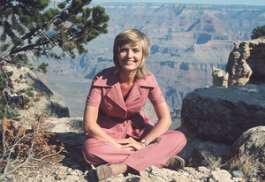 """""""Brady Bunch,The""""Florence HendersonCirca 1971 **H.L. - Image 5421_0049"""