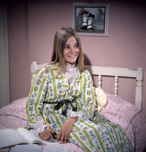 """The Brady Bunch""Maureen McCormickcirca 1970s** I.V. - Image 5421_0097"