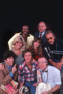 """WKRP in Cincinnati""(T-B) Tim Reid, Gordon Jump,Loni Anderson,Jam Smithers,Howard Hessman, Frank Bonner,Gary Sandy, & Richard Sanders1978 CBS © 1978 Gene Trindl - Image 5464_0009"