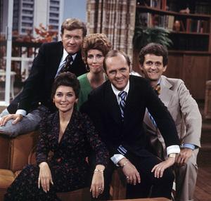 """The Bob Newhart Show""Bill Daily, Marcia Wallace, Bob Newhart, Suzanne Pleshette, Peter Bonerz1974 © 1978 Gene Trindl - Image 5465_0008"