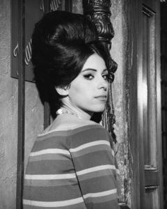 """Irma la Douce""Sheryl Deauville1963 United Artists © 1978 Leo Fuchs** Sheryl Deauville Collection - Image 5497_0071"
