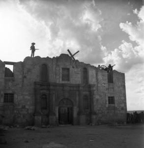 """The Alamo""1960** I.V. - Image 5499_0059"