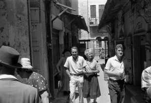 """Paul Newman and Joanne Woodward on location in Israel during the making of """"Exodus""""1960 United Artists © 1978 Leo Fuchs - Image 5505_0028"""