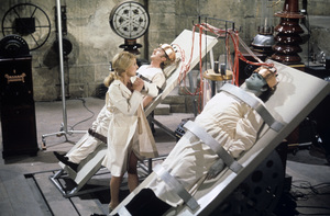 """Young Frankenstein""Teri Garr, Gene Wilder, Peter Boyle1974 20th Century Fox** I.V. - Image 5578_0023"