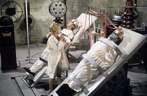"""Young Frankenstein""Teri Garr, Gene Wilder, Peter Boyle1974 20th Century Fox** I.V. - Image 5578_0023"