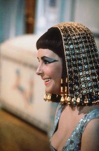 """""""Cleopatra""""Elizabeth Taylor1963 20th Century Fox © 1978 David SuttonMPTV - Image 5589_0042"""