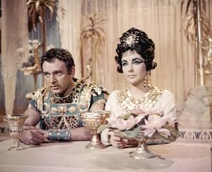 """Cleopatra""Richard Burton, Elizabeth Taylor1963 20th Century Fox** I.V. - Image 5589_0083"