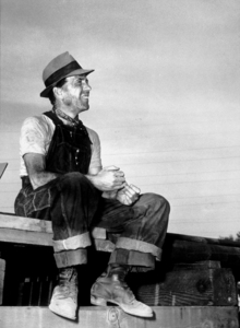 """The Treasure of the Sierra Madre""Humphrey Bogart1948 Warner Bros.Photo by Mac JulianMPTV - Image 5610_0034"