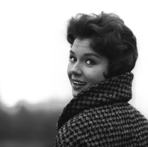 Outdoor portrait of film and television actress Emily Banks taken in Westchester County, New Yorkcirca 1960 © 2005 Michael Levin - Image 5661_0001
