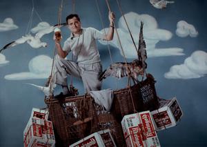 Michael Todd posing for a Rheingold beer advertisement, 1957. © 1978 Paul HesseMPTV - Image 5670_1