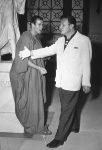 "Marlon Brando, Joseph MankiewiczFilm Set""Julius Caesar"" (1953)Copyright John Swope Trust / MPTV - Image 5692_0006"
