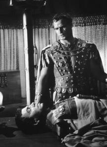 "Marlon Brando, James MasonFilm Set""Julius Caesar"" (1953)Copyright John Swope Trust / MPTV - Image 5692_0008"