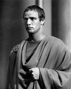 Marlon BrandoFIlm SetJulius Caesar (1952)Copyright John Swope Trust / MPTV - Image 5692_0015