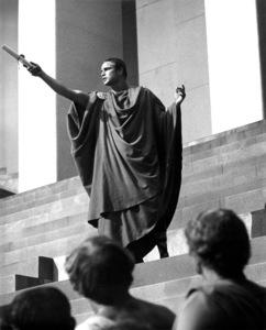 "Marlon BrandoFilm Set""Julius Caesar"" (1952)Copyright John Swope Trust / MPTV - Image 5692_0021"