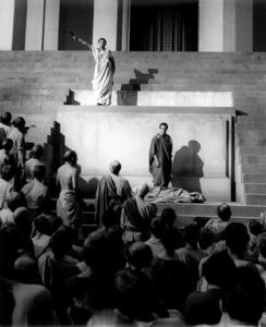"James Mason, Marlon BrandoFilm Set""Julius Caesar"" (1952)Copyright John Swope Trust / MPTV - Image 5692_0025"