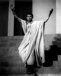 "James MasonFilm Set""Julius Caesar"" (1952)Copyright John Swope Trust / MPTV - Image 5692_0027"