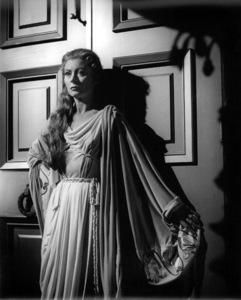 "Greer GarsonFilm Set""Julius Caesar"" (1952)Copyright John Swope Trust / MPTV - Image 5692_0036"