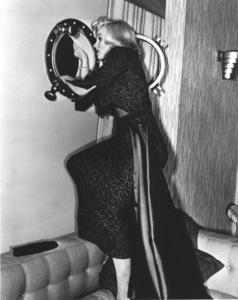 """Gentlemen Prefer Blondes""Marilyn Monroe © 1953 / 20th Century Fox**R.C. - Image 5709_0031"