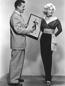 """Gentlemen Prefer Blondes""Marilyn Monroe withTravilla (Costume Designer) © 1953 / 20th Century Fox**R.C. - Image 5709_0033"