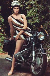 Julie Andrewscirca 1965**I.V. - Image 5722_0180