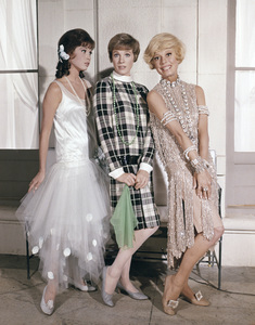"""Mary Tyler Moore, Julie Andrews and Carol Channing in """"Thoroughly Modern Millie""""1967 Universal** B.D.M. - Image 5722_0218"""