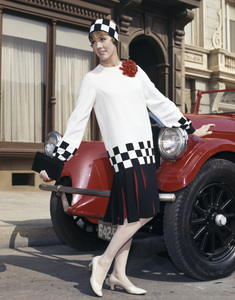 "Julie Andrews in ""Thoroughly Modern Millie""1967 Universal** B.D.M. - Image 5722_0220"