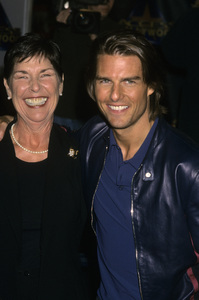 Tom Cruise and his mother Mary Lee South1999© 1999 Gary Lewis - Image 5724_0117