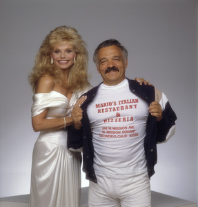 Loni Anderson with photographer Mario Casillicirca 1980s© 1980 Mario Casilli - Image 5727_0052