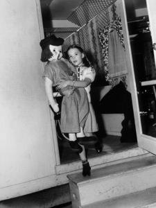 """Miracle On 34th Street,""Natalie Wood.  1947/Fox.**I.V. - Image 5747_0012"