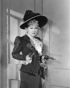 """My Little Chickadee""Mae West1940 Universal**I.V. - Image 5750_0015"