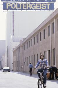 Steven Spielberg on the MGM lot1982© 1982 Bruce McBroom - Image 5817_0083