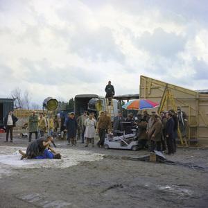 """Satyricon""Director Federico Fellini and crew watch Hiram Keller during a fight scene1969** I.V.C. - Image 5833_0098"
