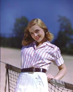 Lizabeth Scottcirca 1945Photo by Bud Fraker**I.V. - Image 5839_0038