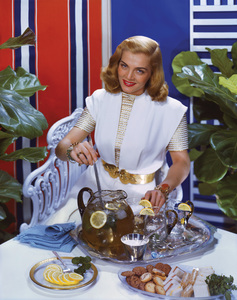 Lizabeth Scott for a Liptons