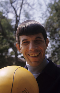 Leonard Nimoy at home1966© 1978 Gunther - Image 5846_0031