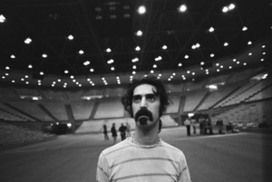 Frank Zappa at the UCLA Pauley Pavilion for rehearsal before his performance with Zubin Mehta and the Los Angeles Philharmonic1970© 1978 Gunther - Image 5872_0040