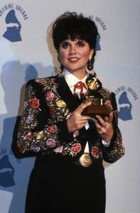 Linda Ronstadt at the Grammy Awards 1989** B.D.M. - Image 5881_0034