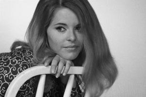 Lindsay Wagner1967© 1978 Ed Thrasher - Image 5887_0105