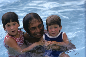 Paul Anka and his two daughters1973© 1978 Gunther - Image 5894_0053