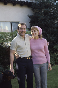 William Shatner at home with his wife Gloria Rand 1967 © 1978 Gunther - Image 5902_0053