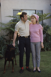 William Shatner at home with his wife Gloria Rand 1967 © 1978 Gunther - Image 5902_0054