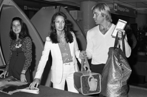 Jaclyn Smith and Dennis Cole at the airportcirca 1978© 1978 Gary Lewis - Image 5917_0089