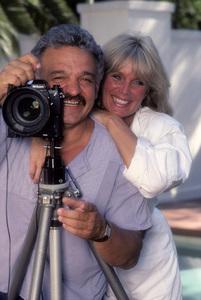 Linda Evans with photographer Mario Casilli 1985 Photo by Bernie Boudreau © 1985 Mario Casilli - Image 5922_0095