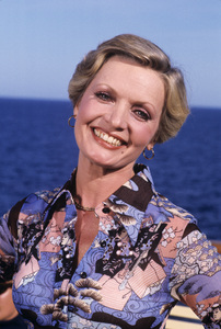 Florence Henderson1976** H.L. - Image 5927_0014