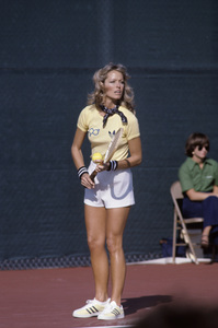 Farrah Fawcett playing tennis1979© 1979 Gunther - Image 5928_0111