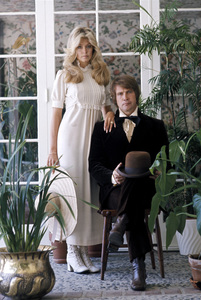 Farrah Fawcett with husband Lee Majors posing for their engagement photo circa 1973 © 1978 Bruce McBroom - Image 5928_0176